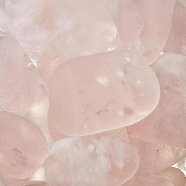 VitaJuwel Gem Water Gemstone Wand - Cupid's Kiss: Rose Quartz